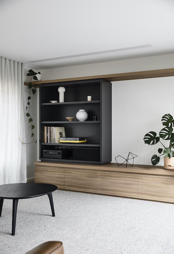 Douglas_lounge